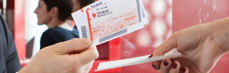 El Supremo establece que los tickets restaurante no computan a efectos del complemento de incapacidad temporal